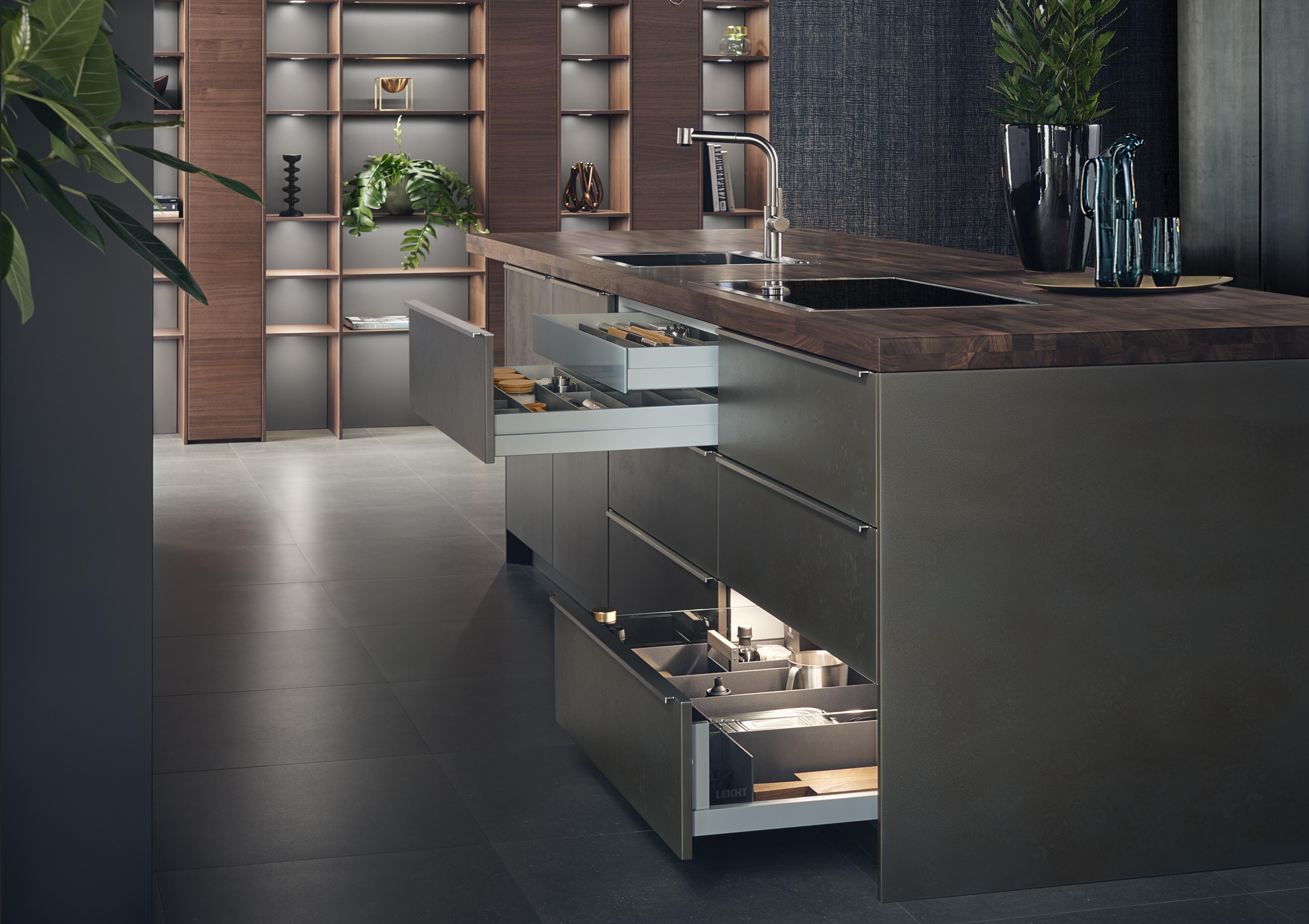 Cuisine Leicht Wels Décoration Antibes, nouveauté 2019 façade Steel couleur Ferro