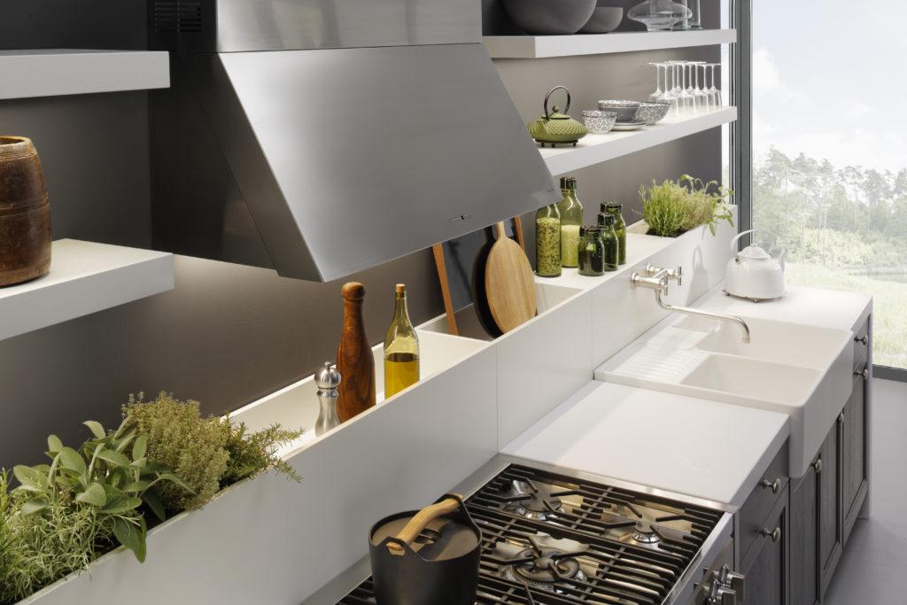 Cuisine traditionnelle Leicht Wels Décoration Antibes plan de travail et caissons