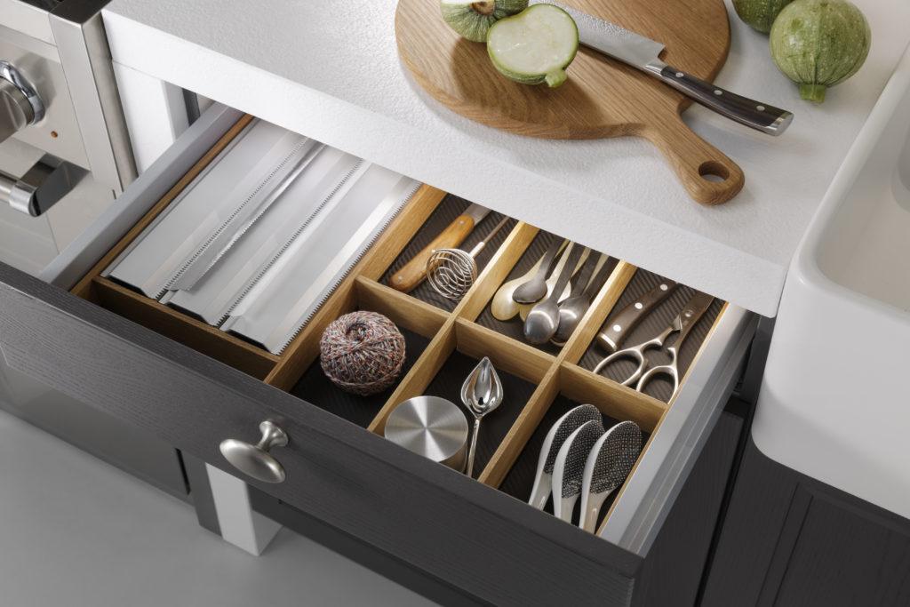 Cuisine traditionnelle Leicht Wels Décoration Antibes aménagement tiroir bois